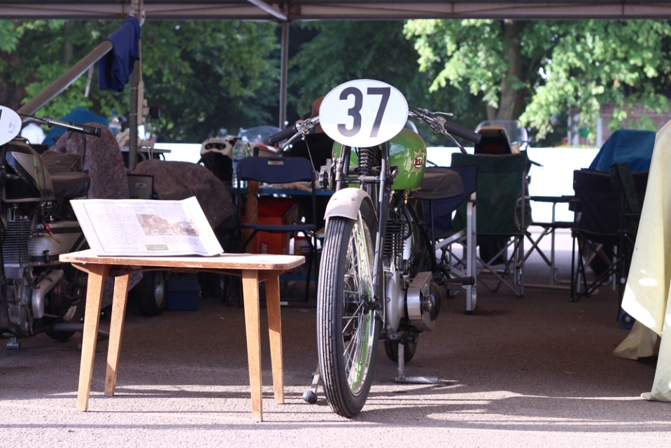 Vintage_BSA_Cafe_Racer_GoodwoodFoS